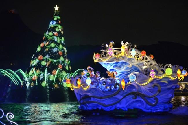 christmas-in-tokyo-disneyland-and-disneysea