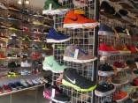 ชี้พิกัด 7 ร้าน รองเท้าผ้าใบญี่ปุ่น ทั้งรุ่นหายากและลิมิเต็ด