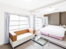 มาเป็นคู่ยิ่งคุ้ม 5 โรงแรม ชินจูกุ พักหรู ราคาดี ใกล้สถานีรถไฟ