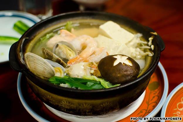 japanese_nabe_hot_pot_stew_prawns_vegetables_flickrcc