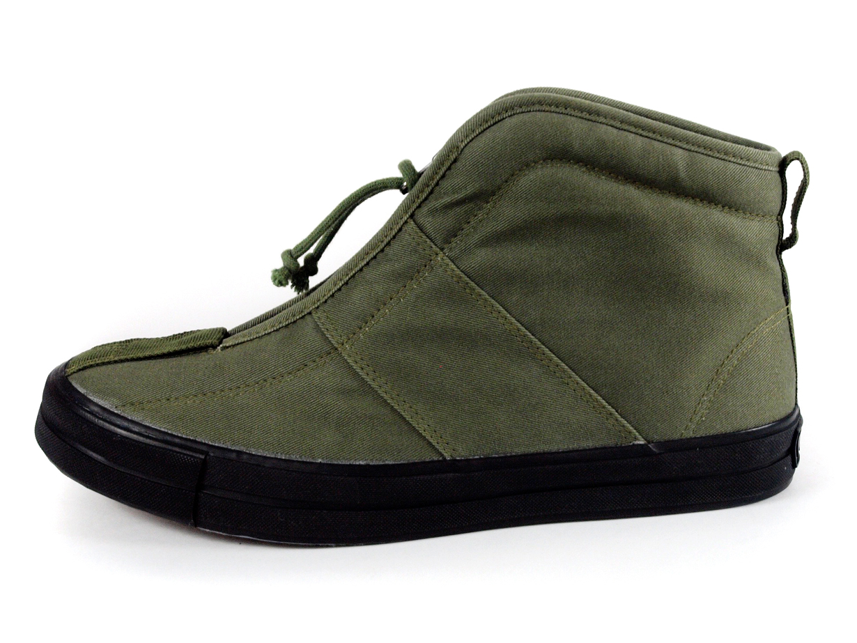 รองเท้าแบรนด์ญี่ปุ่น