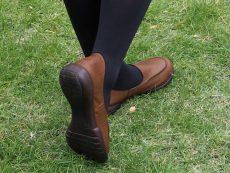 รองเท้าสุขภาพญี่ปุ่น 4 แบรนด์แนะนำ ก้าวมั่นใจใส่สบาย