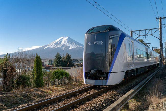 วิ่งตรงฟูจิ รถด่วน Fuji Excursion ทางเลือกสะดวกต่อเดียวจากชินจูกุ