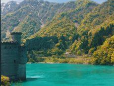 หุบเขาคุโรเบะ (Kurobe gorge) ชมวิวสวยดังภาพวาด ในรถไฟขบวนพิเศษ