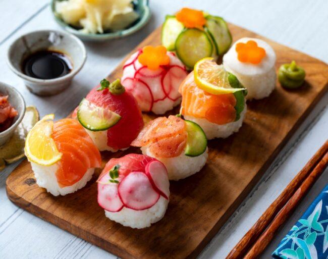 เทมาริซูชิ (Temari sushi)