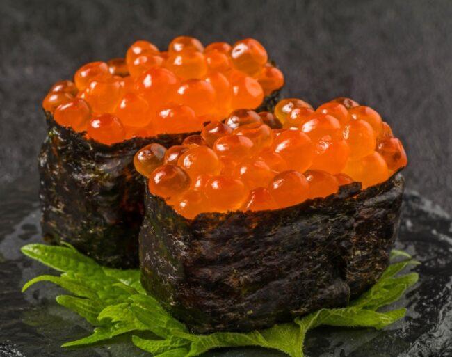 กุงกังซูชิ (Gunkan sushi)